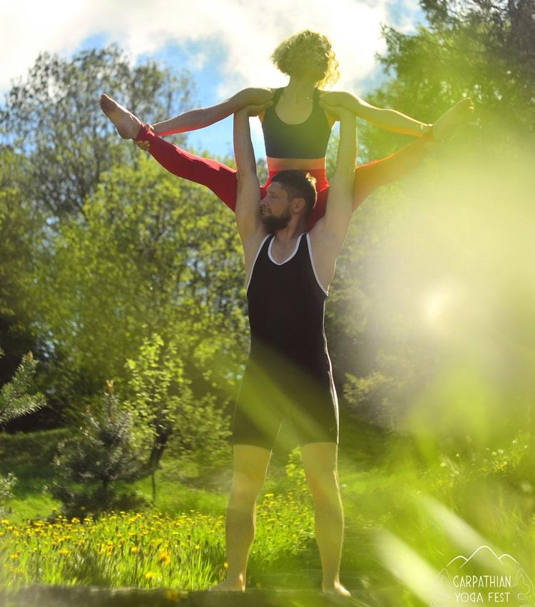 akro yoga CYF2019-min