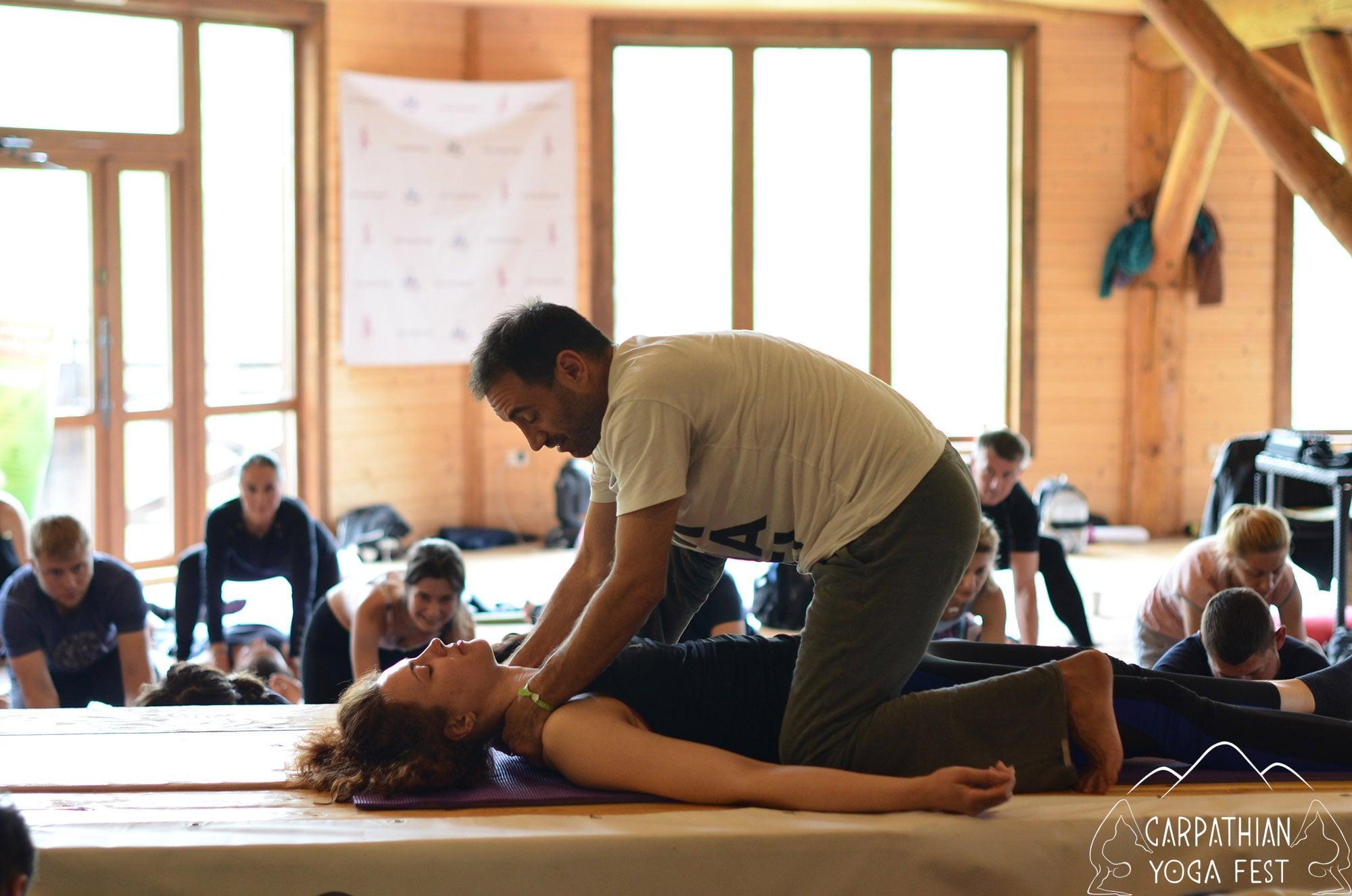 tayskiy massazh na karpatskom festivale yogi (2)-min